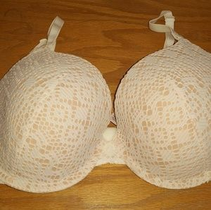 Vitoria's Secret bra white lace lined
